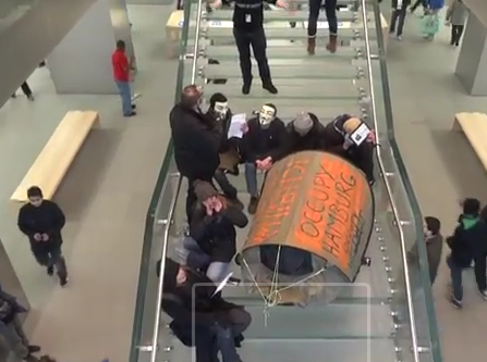 Hamburger Apple Store - Protest