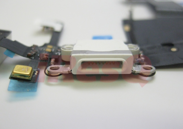 8-Pin iPhone 5 Dock-Connector