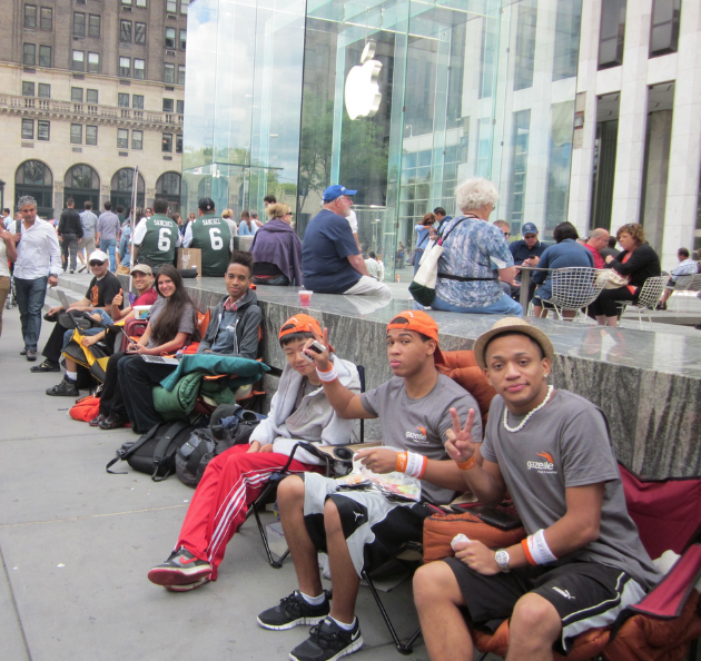 iPhone 5 Apple Store New York iPhone 5: Fans nutzen den Hype um das eigene Start up zu vermarkten