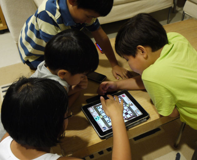 kids-with-ipad