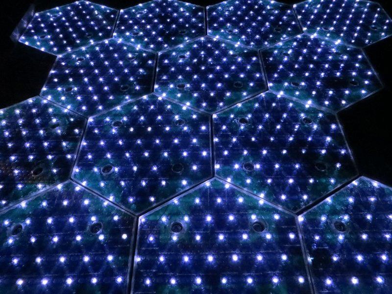 solar-roadways-LEDs_-_white
