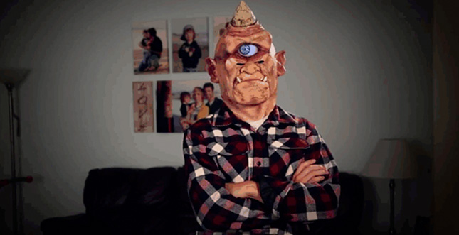 Digital animierte Halloween-Kostüme, Masken und Shirts