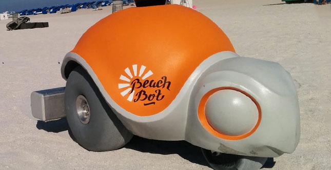 Dieser niedliche Roboter von Disney erzeugt Strandkunstwerke