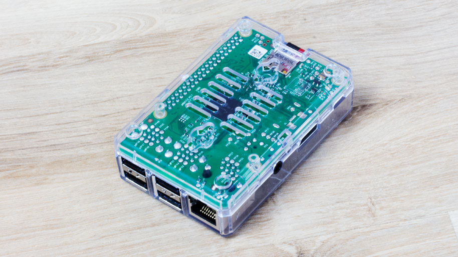 raspberry-pi-2-in-case-rueckseite