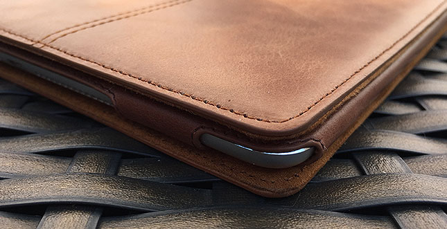 MACOON Ledertasche für iPhone 6 / 6+ & iPad Air 2 im Test