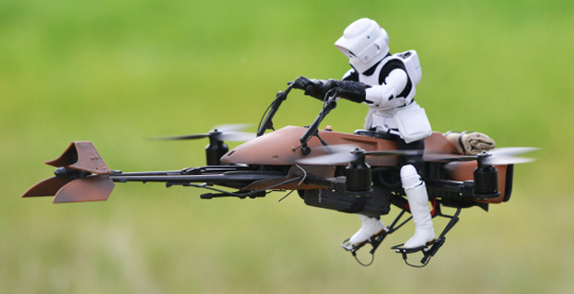 "Genial: ""Star Wars Speeder Bike"" als FPV-Quadcopter-Drohne"