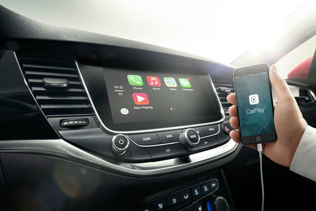 Opel-Astra-2015-Infotainment