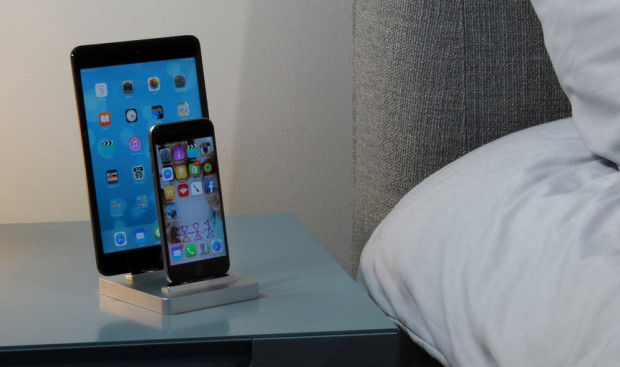 Premium-One-X1-Apple-Watch-Dock-3