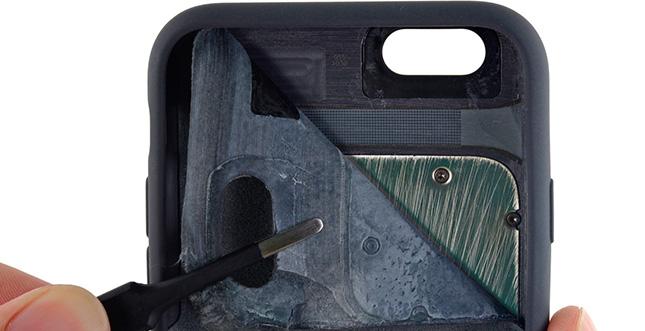 """Apple """"Smart Battery Case"""" zerlegt: Was steckt drin?"""