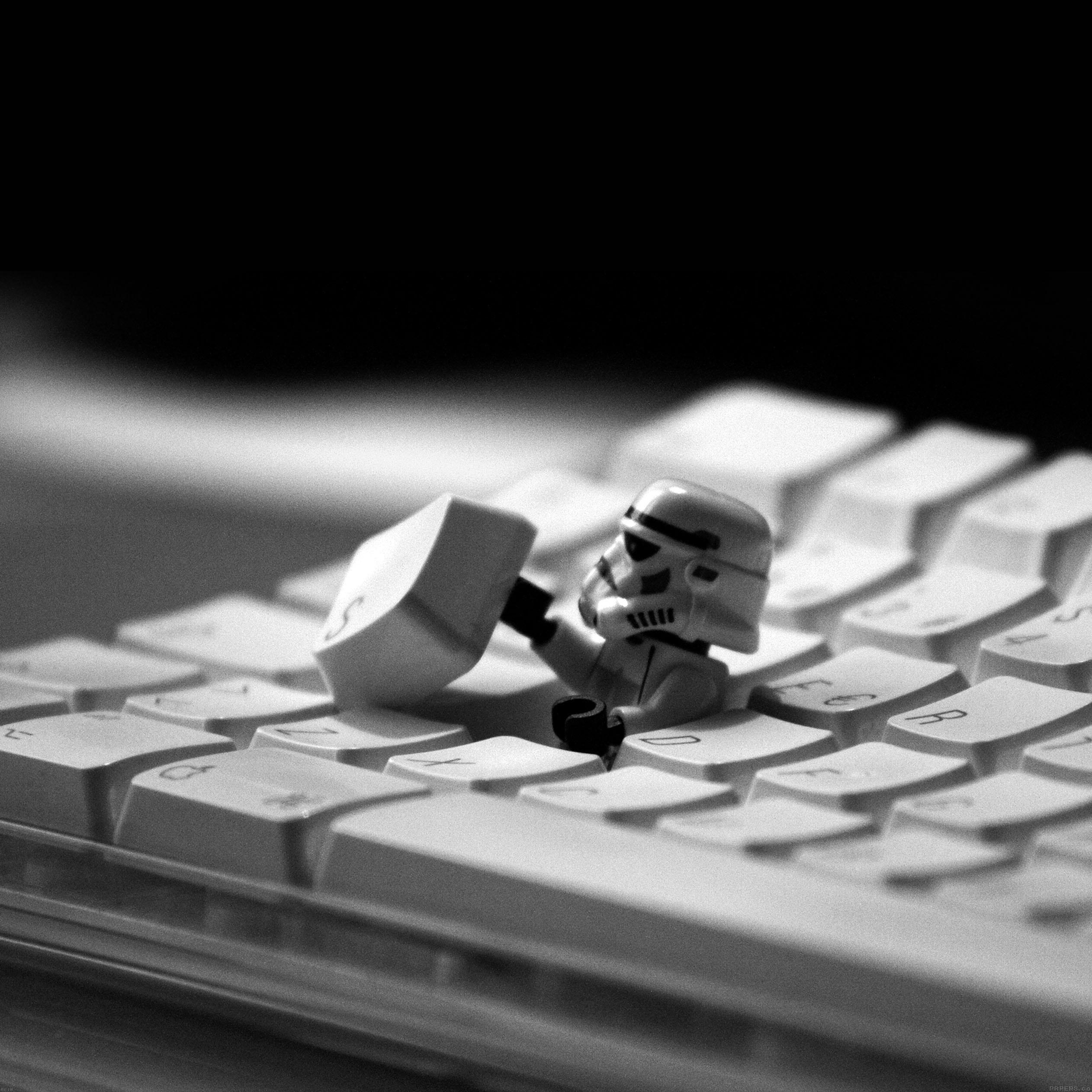 storm-trooper-starwars-keyboard-film-9-wallpaper