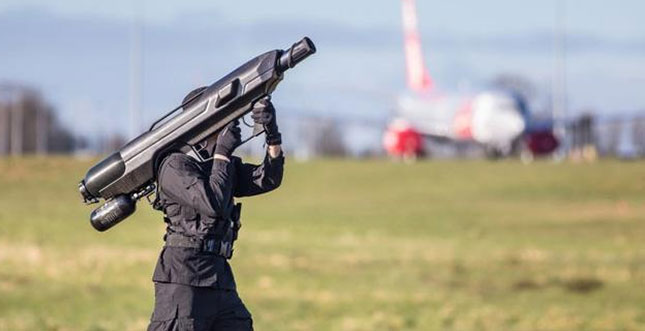 Anti-Drohnen-Bazooka: SkyWall 100