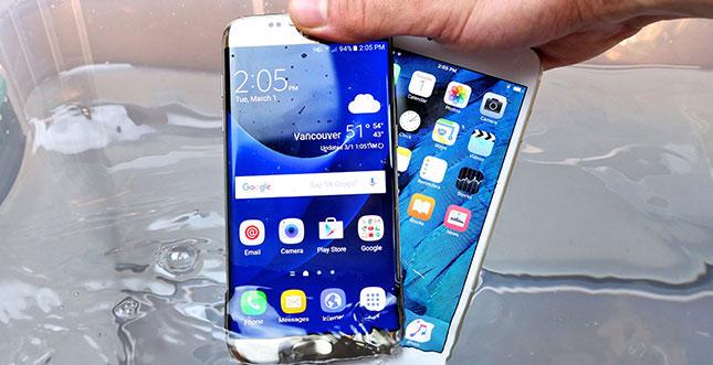 iPhone 6s Plus vs Galaxy S7 Edge: Der Wasser-Test