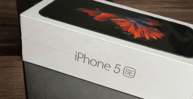iPhone-SE-Verpackung-Montage