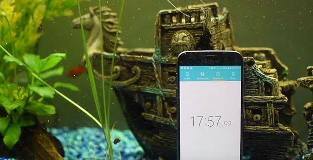 Samsung-Galaxy-S7-Wasser