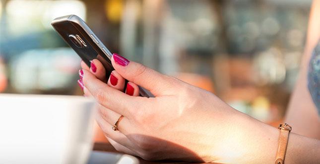 Vertrag mit oder ohne Smartphone: Was lohnt sich mehr?